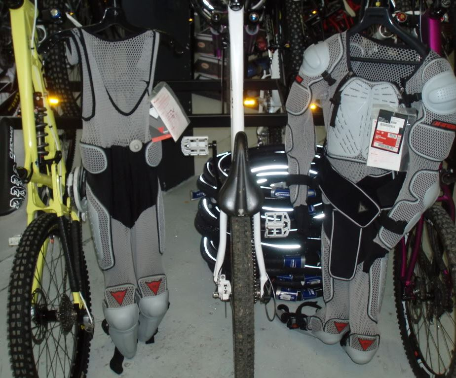 dainese_gray_pants_0.JPG